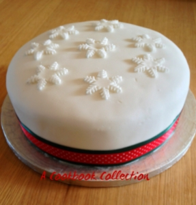 Delias Classic Christmas Cake - A Cookbook Collection
